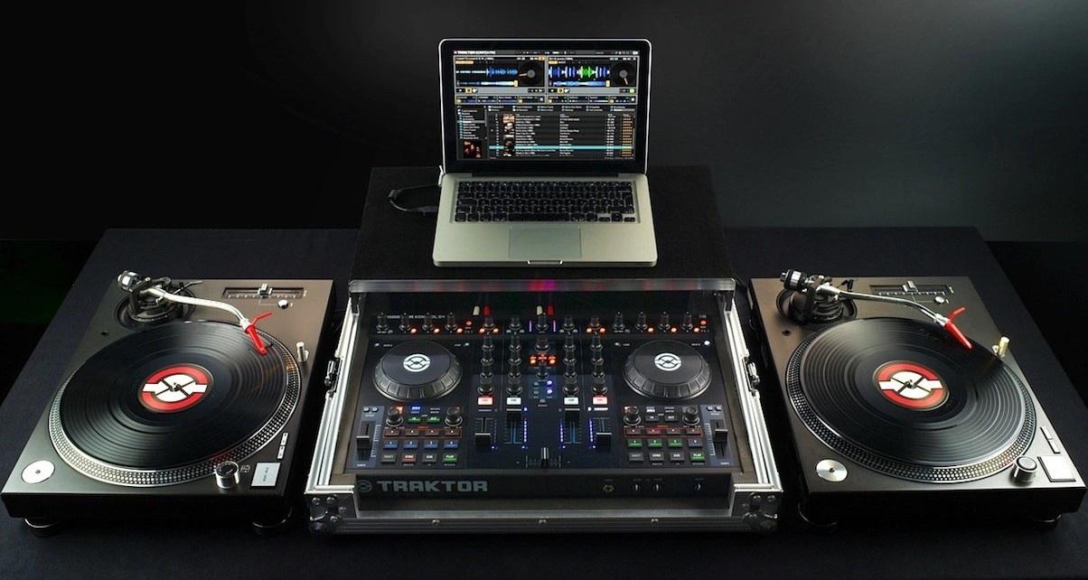 DJ TURNTABLES on DVS